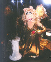 TheVisionOfJimHenson-Gera-miss-piggy