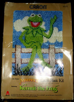 Caron kermit fence latch hook rug kit