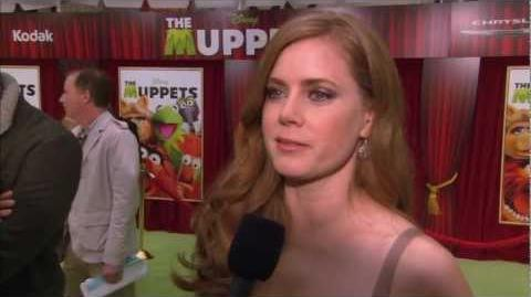 Amy Adams Interviewed at The Muppets World Premiere!