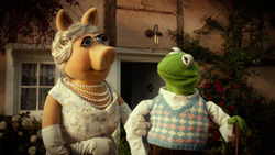 MWM old Kermit and Piggy