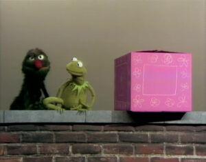 Kermit-earlyGrover-in