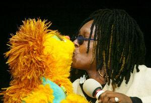Kiss kami whoopi