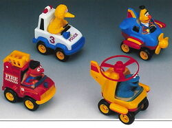 01 illco 1992 pull back n' go vehicle assortment