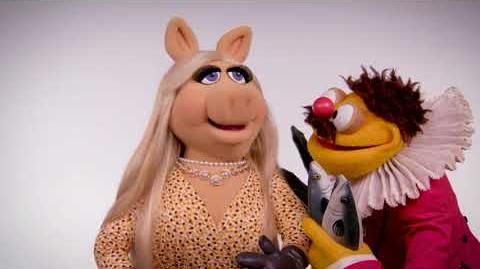 Muppet Thought of the Week ft. Miss Piggy & Lew Zealand