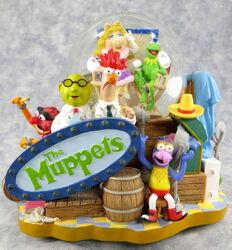 Muppets snow globe disney 1