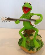 San francisco music box company kermit rainbow connection musical figurine music box 2