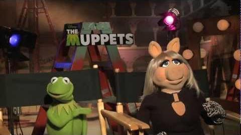 Jason Segel, Kermit The Frog, Miss Piggy interviews for THE MUPPETS (2011)