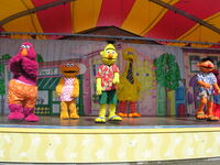 Big bird's beach party 2