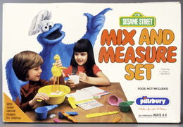 Pillsbury 1978 mix and measure set 2