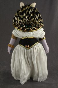 Famous Femmes du Histoire Cleopatra 03 back
