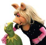 Kermit&Piggy-AlmostKissing