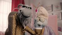 MuppetsNow-S01E06-HoldThatPig