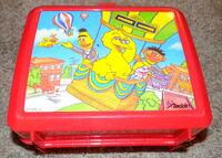 Aladdin lunchbox balloon