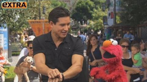 Elmo Goes 'Gangnam Style' at The Grove