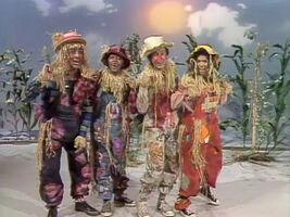 1257-Scarecrows