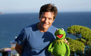 TheMuppets-JasonBateman&Kermit