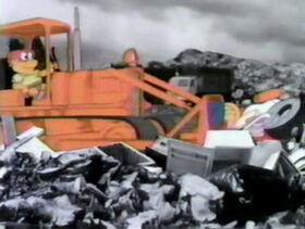 511 Junkyard Muppets