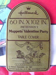Hallmark 1981 valentines party tablecloth 2