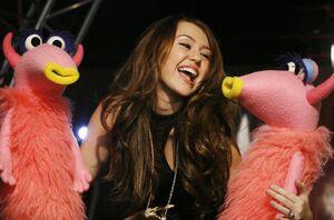 Miley cyrus snowths