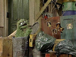 2181 Grouch Family 01