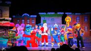 Universal studios singapore 2014 sesame street saves christmas 8