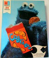 Milton bradley 1976 cookie monster puzzle