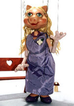 Marionette-piggy