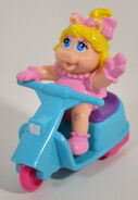 Mcdonalds europe 1993 muppet babies premium 7