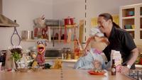 MuppetsNow-S01E02-TrejoHug