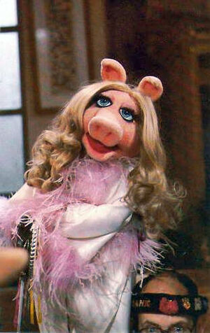 Miss piggy with frank-NEW