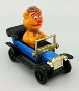 Tomy fozzie bear car
