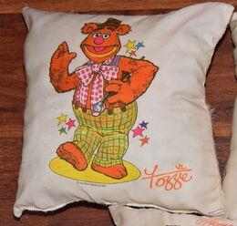 Pillow fozzie d m