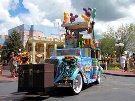 Disney'sHonoraryVoluntEarsCavalcade-SunnyDay-P&K