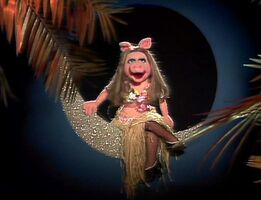 Miss piggy moon