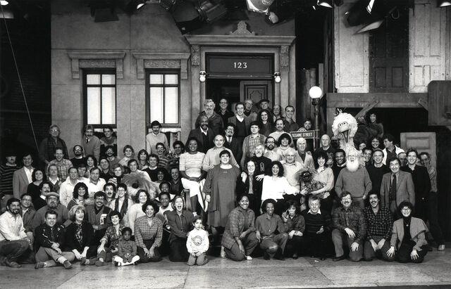 File:SS Cast & Crew 1984.jpg