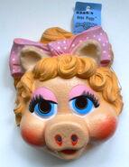 Cesar baby piggy mask 1986