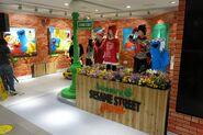 Bossini sesame street pop up store 2014 10