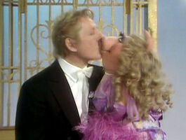 Kiss-dannykaye&piggy