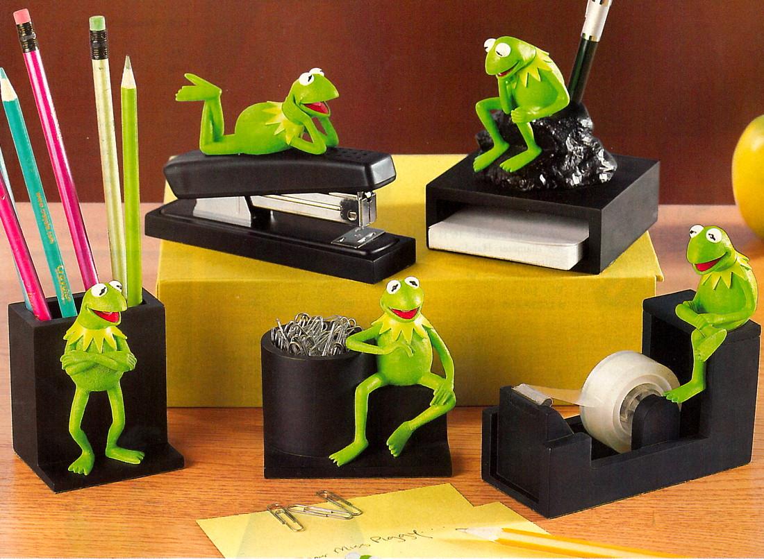 00 Disney Desk Set 1 Jpg