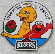 1999 roses parade big bird elmo pin
