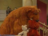 Bear236-kiss