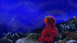 Shooting star Elmo in Grouchland