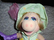 Sherwood brands 2002 miss piggy easter basket plush 2