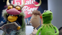 TheMuppets-S01E12-BigMeanCarl-Eating-Scooter