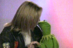 Kiss Jackie Brambles Kermit