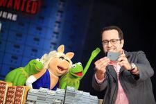 MuppetsMostWanted-WorldPremiere-JaredFogle-(2014-03-11)
