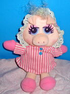 Direct connect 1989 miss piggy plush