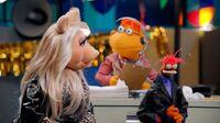 MuppetsNow-PepePiggyScoots