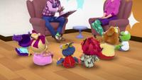 MuppetBabies-(2018)-S02E16-Gonzonocchio-MrMannyAtTheLibrary