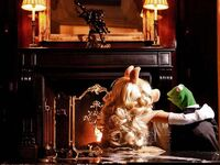 Germany-Berlin-Hotel-Ritz-Carlton-Kermit&Piggy-(2012-01)-04